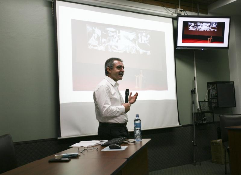 Charla con Manuel Borja